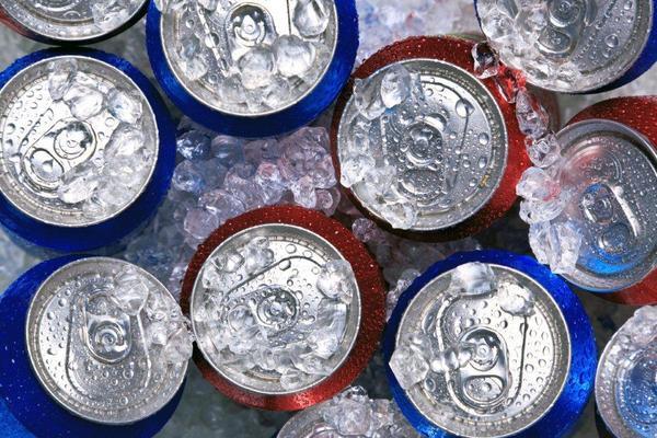 Energetyzujące napoje niszczą zęby