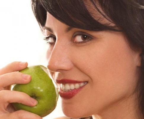 Jabłka niszczą szkliwo