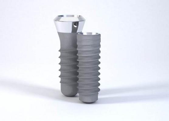 Nowe badania na temat przeżywalności implantów