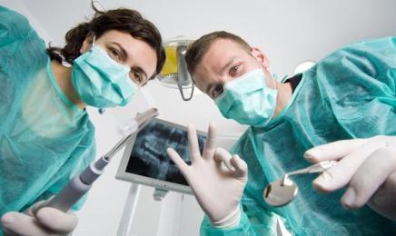 Jak chronić zdrowie podczas pracy w gabinecie stomatologicznym?
