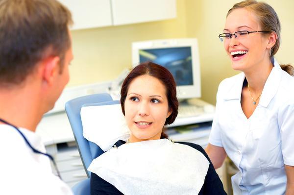 Odbudowa zęba na wkładzie koronowo-korzeniowym