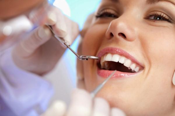 Kiedy nie można wybielać zębów? Przeciwwskazania do zabiegu