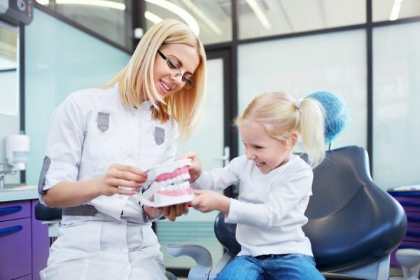 Zalety pracy w zawodzie higienistki stomatologicznej – jest ich wiele