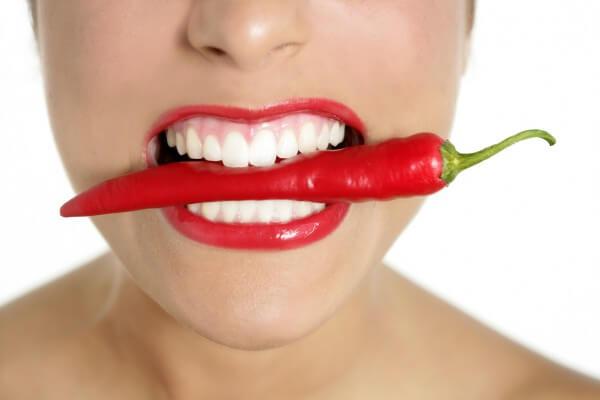 Szkodliwe nawyki, które mogą uszkadzać i niszczyć szkliwo