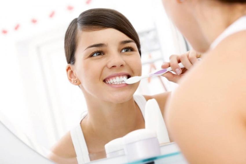 Czy zęby da się wybielić w domu?