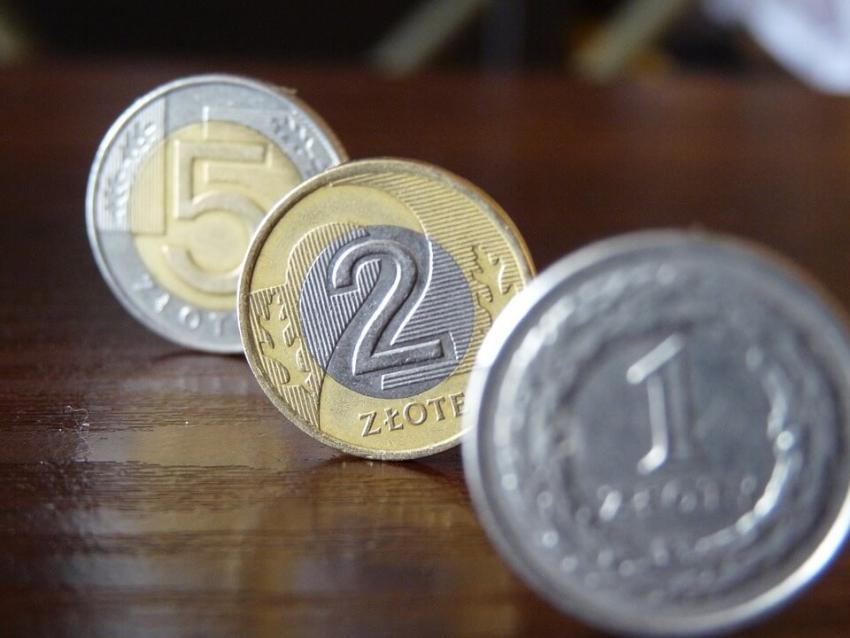 Płaca minimalna w 2017 r. wyniesie 2000 zł brutto – jest decyzja rządu
