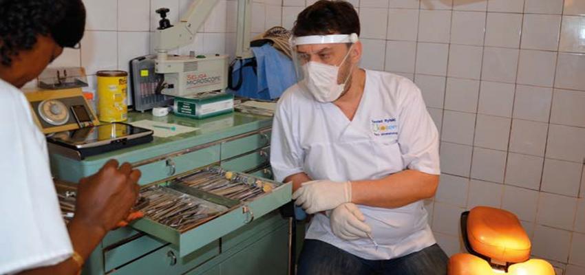 Dentofobia i nagroda dla lekarza – Konrad Rylski opowiada o Afryce