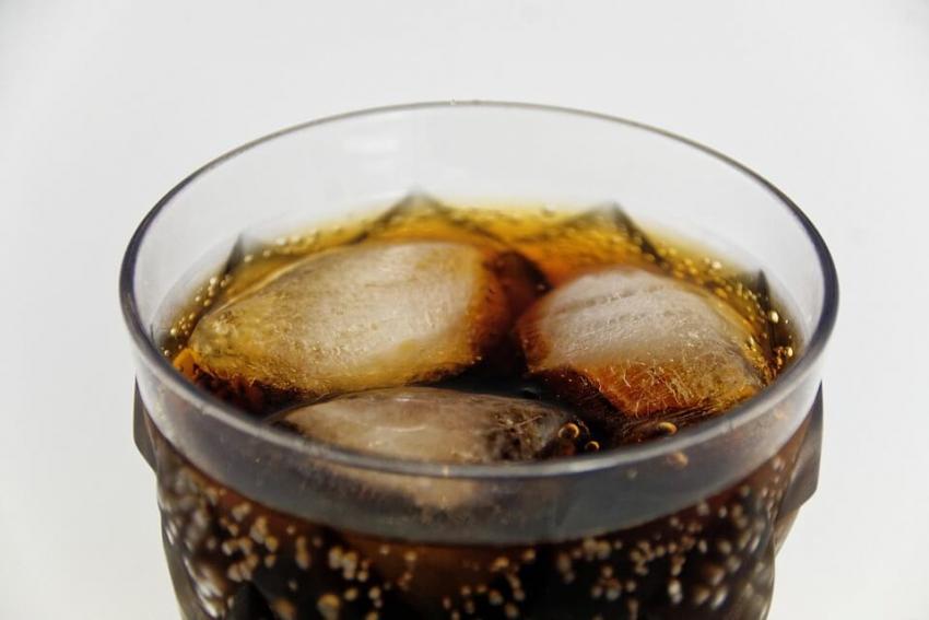 Wpływ spożywania napojów gazowanych na zdrowie zębów