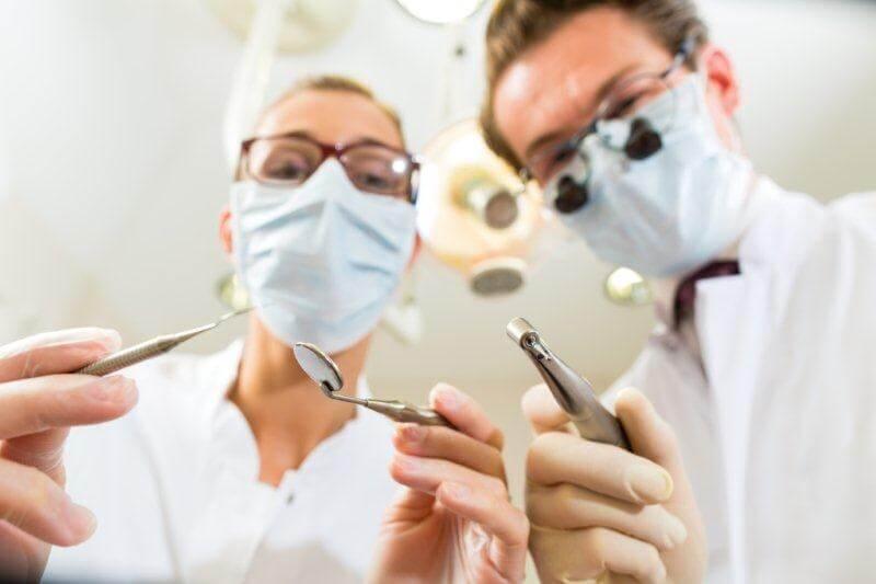 Pacjent dializowany w gabinecie stomatologicznym – zasady pracy
