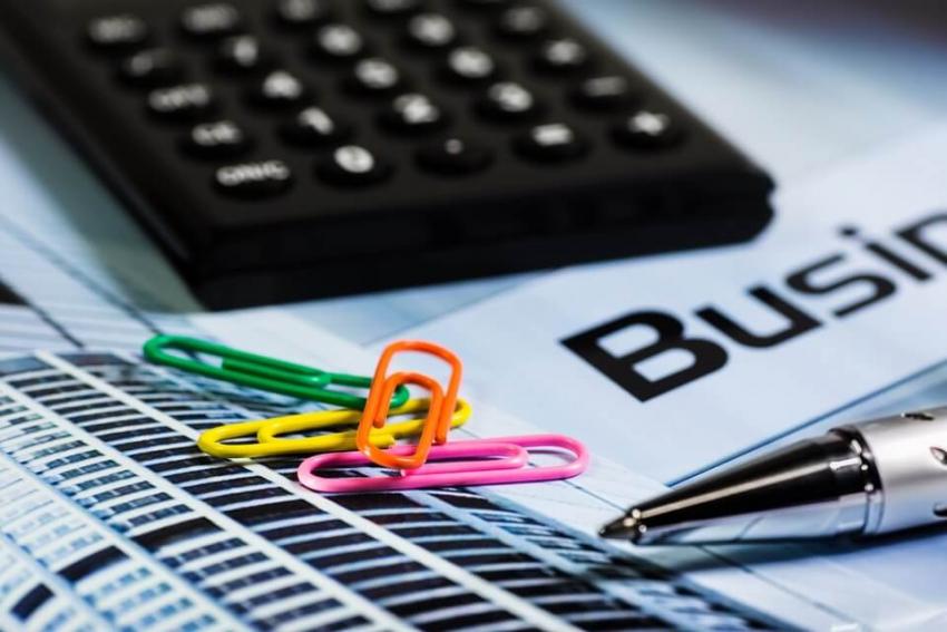 Podatek liniowy czy skala podatkowa – co bardziej się opłaca?