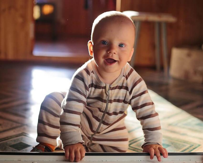 Jak dbać o zęby u niemowlaka? Praktyczne wskazówki dla rodziców