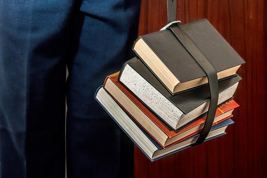 NRL chce zmian wzorów świadectw z egzaminów LEK i LDEK