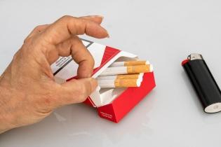 palenie papierosów - Dentonet.pl