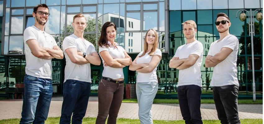 Stomatologiczni wolontariusze z Polski będą leczyć w Nepalu