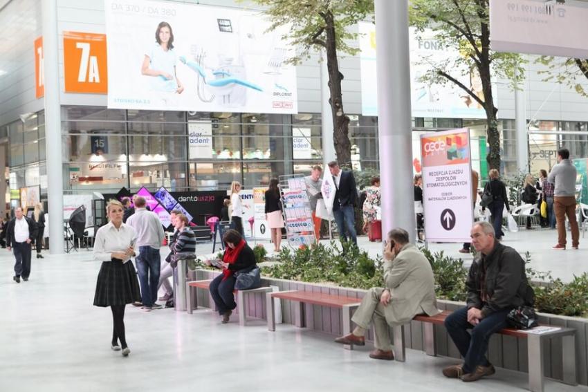 Nadchodzą pełne nowości targi stomatologiczne CEDE 2017