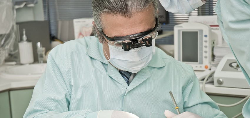 Polska: ponad 34 miliony porad stomatologicznych rocznie