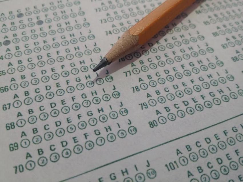 Dyskusja o kształcie i zasadach egzaminów LEK oraz LDEK