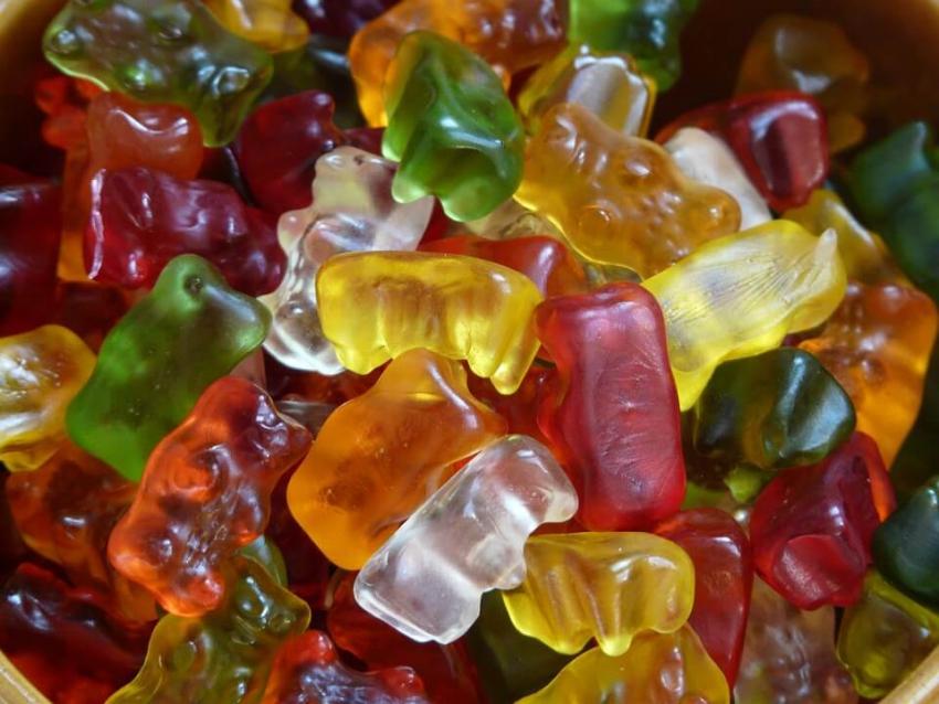 Dentyści chcą wiedzieć, ile cukru dosypuje się do żywności