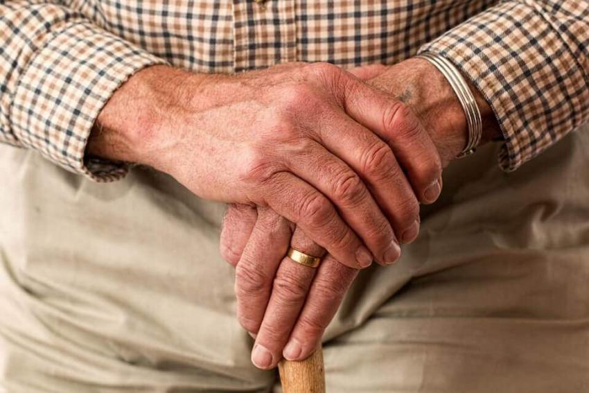 Rutgers University: bezzębni seniorzy zagrożeni niedożywieniem