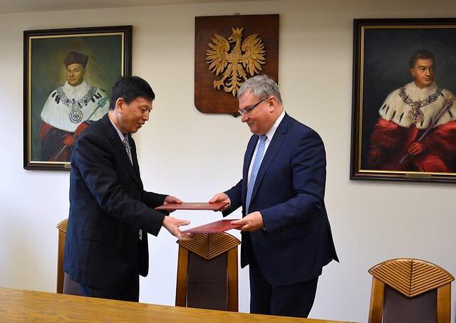 Uniwersytety w Lublinie i Wenzhou wspólnie wykształcą dentystów