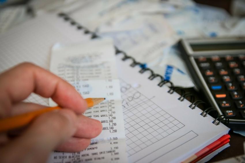 Kasy fiskalne on-line w gabinetach – co z odliczeniem wydatków?