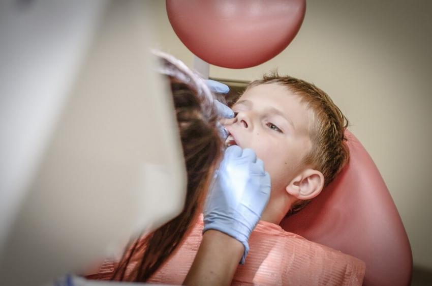 Próchnica jedną z najczęstszych przyczyn hospitalizacji dzieci