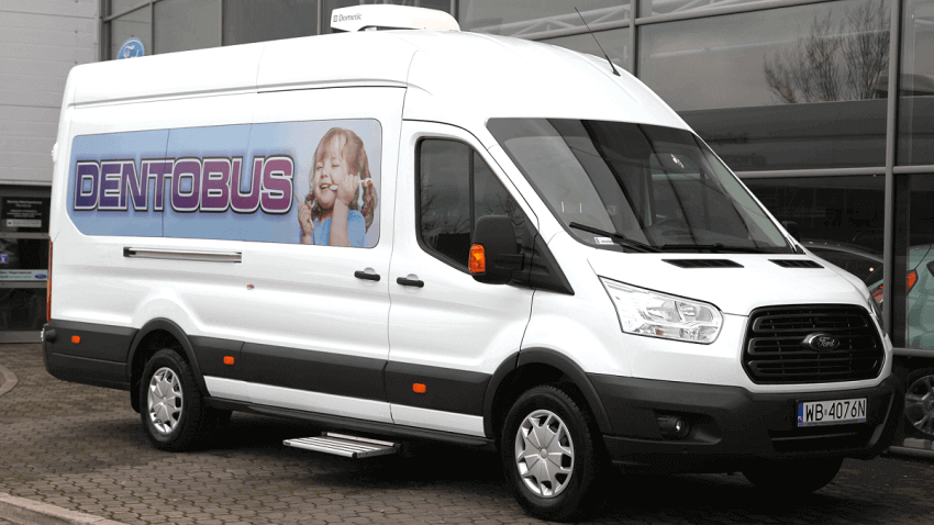 NIL: brak szczegółowych regulacji w sprawie dentobusów