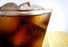 Business Insider: Singapur zakaże reklamy słodzonych napojów