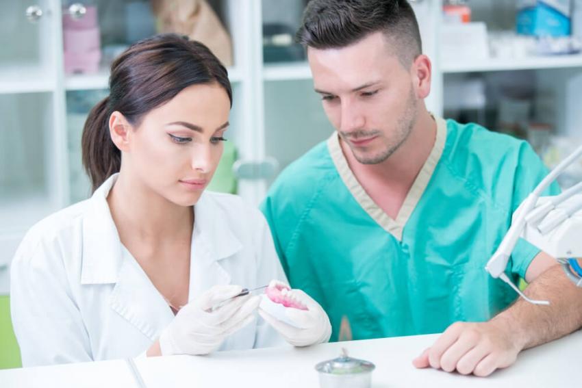 Dokształcanie się – satysfakcja, profesjonalizm i uśmiech pacjentów