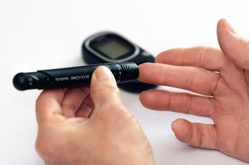 Pacjenci z cukrzycą mają gorszą jakość śliny niż osoby zdrowe