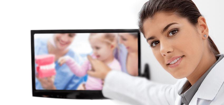 Edukuj i zabawiaj pacjentów – zainwestuj w filmy do poczekalni