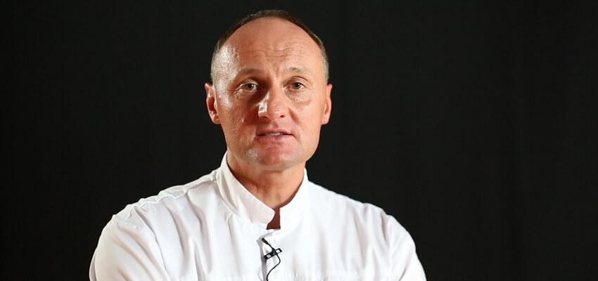"""Dr n. med. Piotr Okoński: """"Nie bójmy się licówek ceramicznych"""" [VIDEO]"""