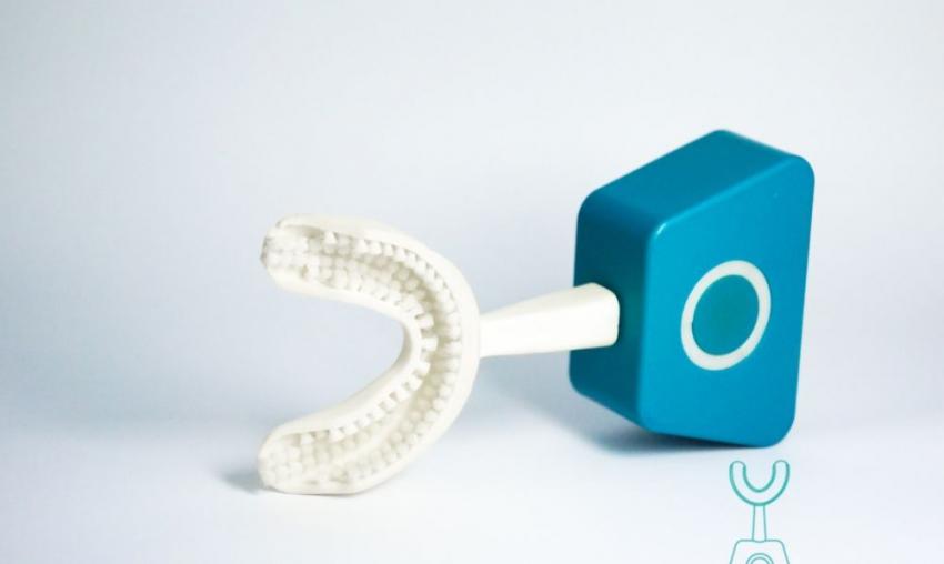 Szczoteczka Y-Brush – skuteczne mycie zębów w 10 sekund