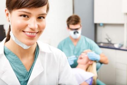 Higienistki i asystentki potrzebne na rynku pracy