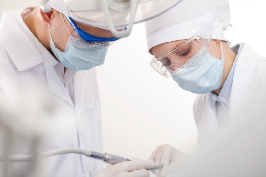 Łódź: innowacyjne maski ochronne dla pracowników służby zdrowia