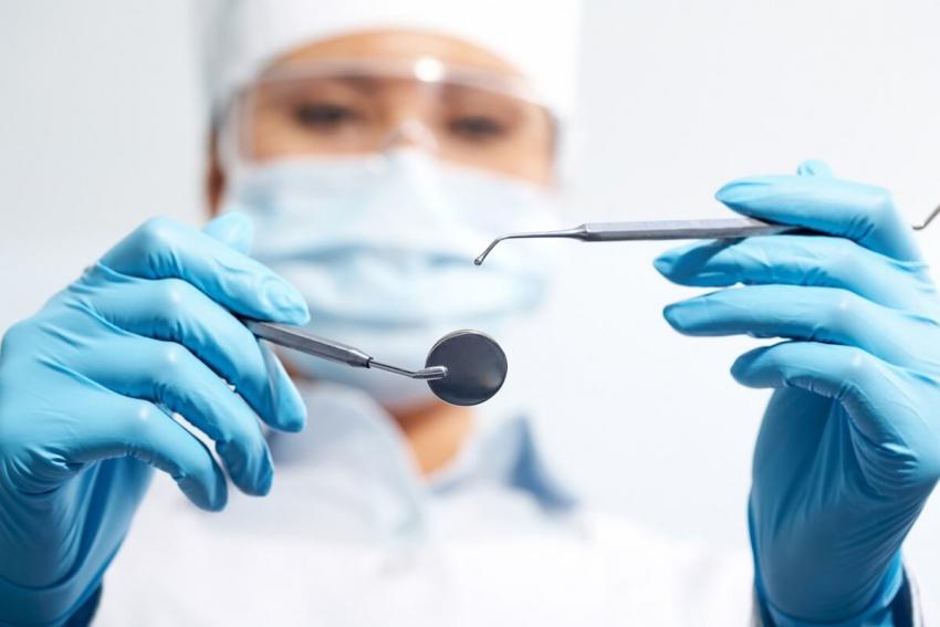 COVID-19: wiedza dla dentystów od FDI