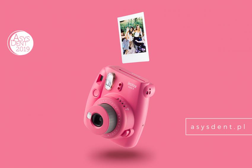 Asysdent 2019: do wygrania trzy aparaty Instax Mini 9!
