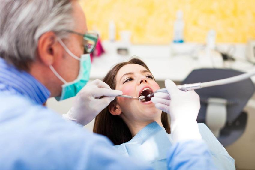 GUS: ponad 34 mln porad stomatologicznych na NFZ w 2018 r.