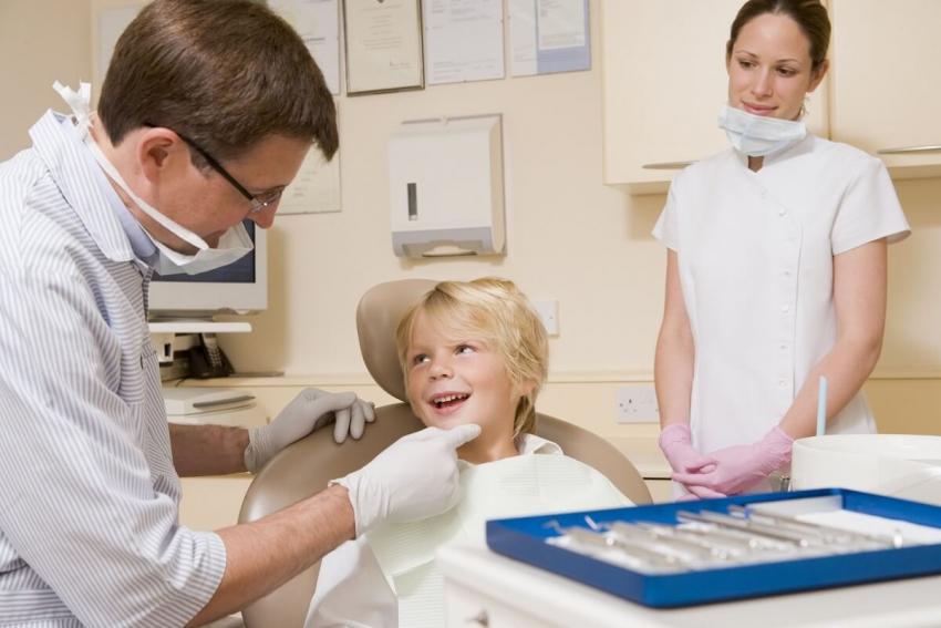 Jak można przełamać lęk dziecka przed wizytą u dentysty?