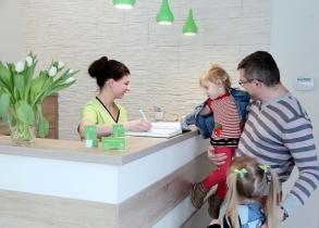 Praca dla stomatologa Tychy - praca z dziećmi