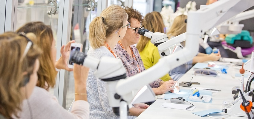 Stomatologia przesuwa granice? Jutro ruszają targi CEDE
