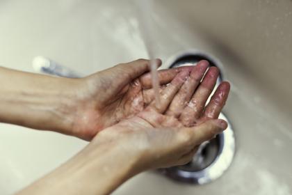 Mycie i dezynfekcja rąk w gabinecie - cel oraz zasady