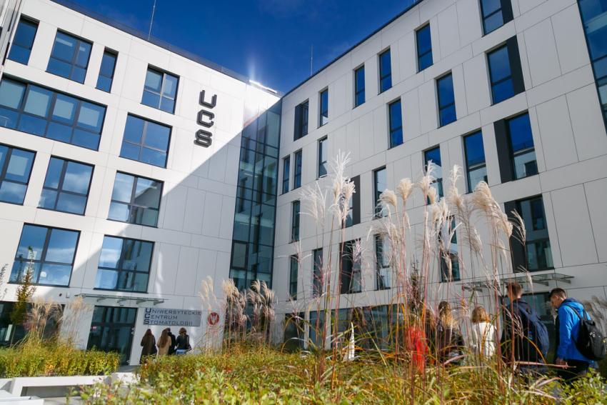 """""""To nowa era w stomatologii"""" – rektor o otwarciu UCS WUM"""
