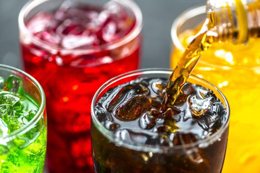 Spożywanie słodzonych napojów znacznie zwiększa ryzyko śmierci