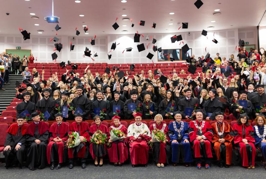 Uroczyste dyplomatorium absolwentów stomatologii w WUM