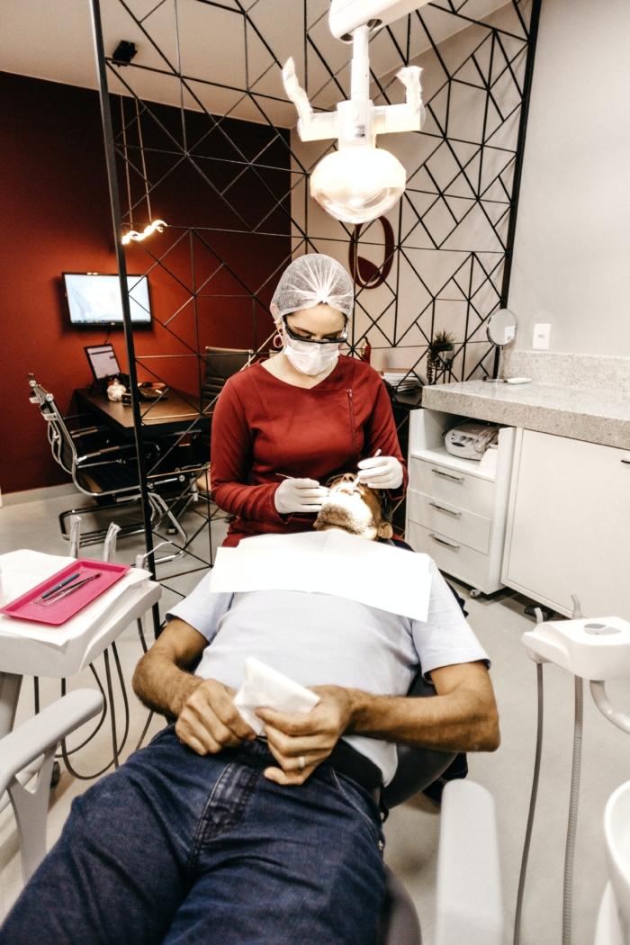 NIL apeluje o debatę w sprawie stanu publicznej stomatologii