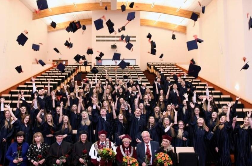GUMed: absolwenci stomatologii i technim dentystycznych z dyplomami