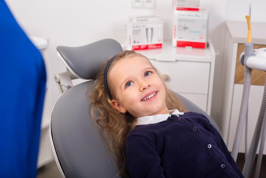 """""""TU NIE BOLI"""", czyli w poszukiwaniu idealnego dentysty"""
