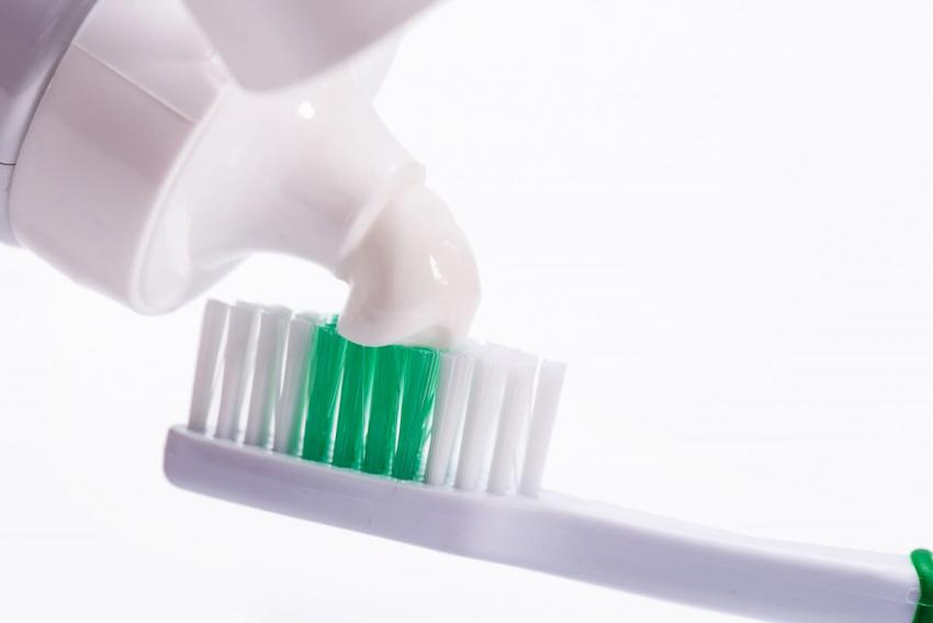 Uwaga na dodatek aluminium – m.in. w pastach do zębów!