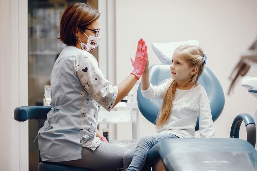 Dentysta szkolny w gminie Pułtusk – podpisano porozumienie